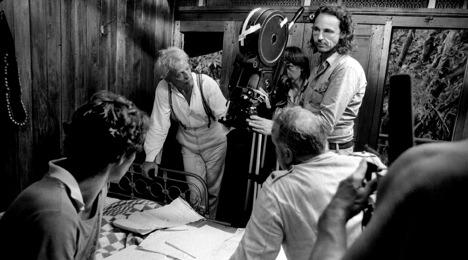 """Mit Klaus Kinski am Set von Werner Herzogs """"Fitzcarraldo"""" Foto: Beat Presser / Sammlung Werner Herzog"""